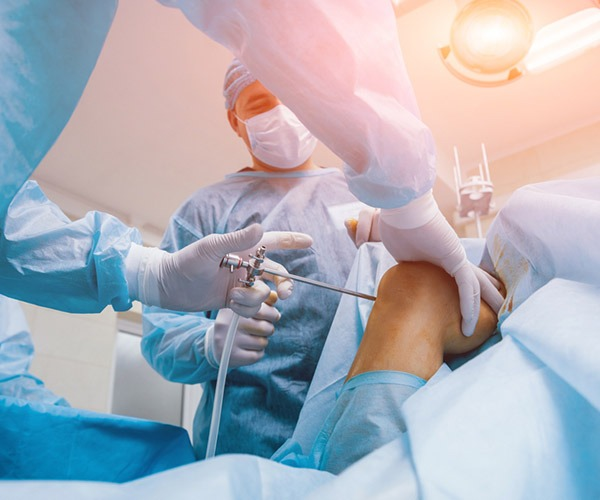 Arthroscopic surgery آرتروسکوپی